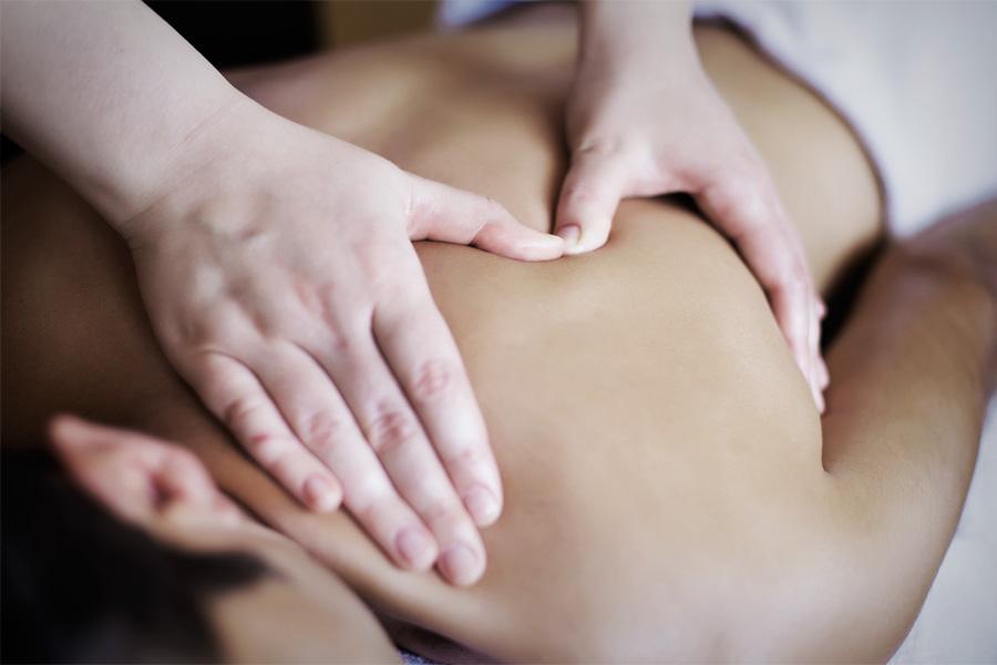 massage-1-900x600