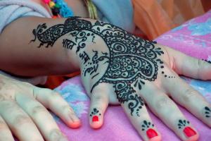 Temporary Black Henna Tattoo
